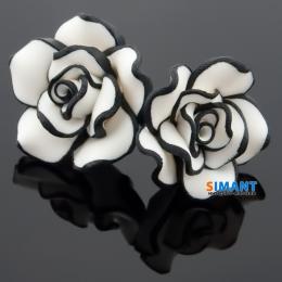 Фото Серьги белые розы