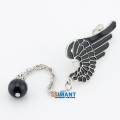 Фото Kафф Черный ворон для проколотых ушей